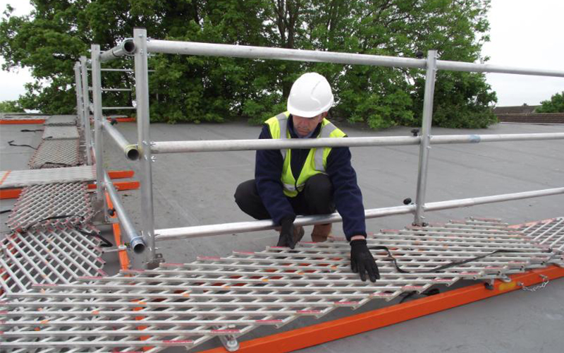 Worker on FRS 2